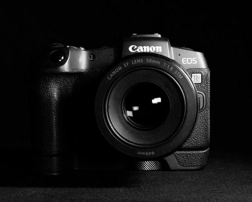 Canon R Class