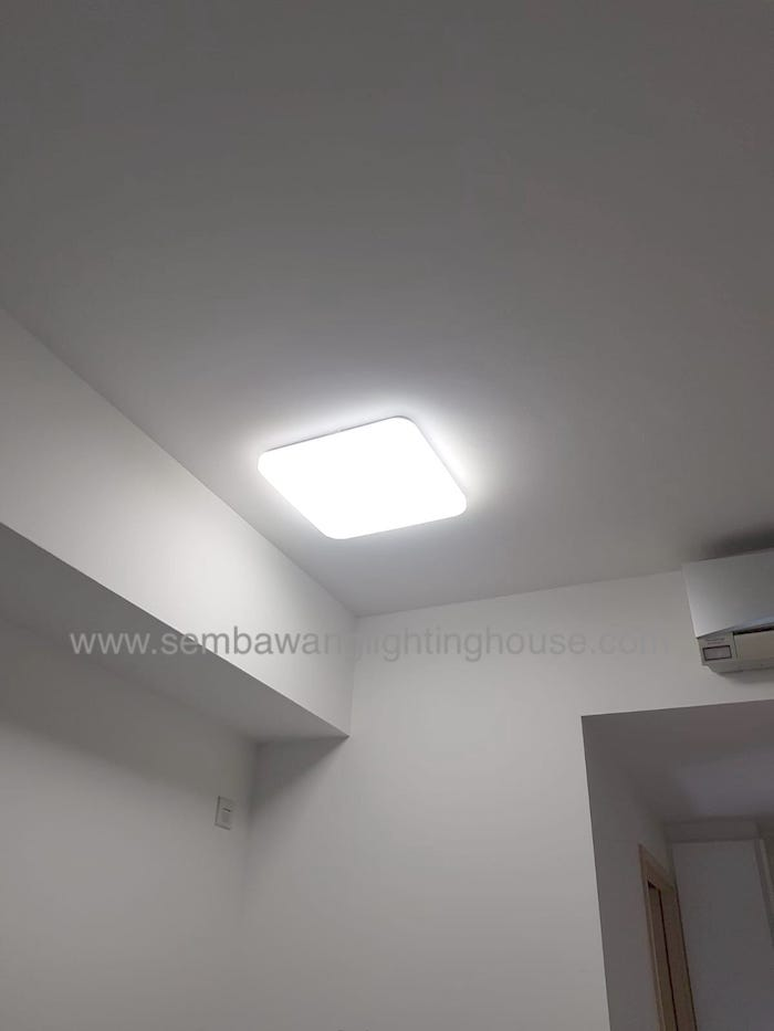 02-led-acrylic-ceiling-lamp-in-side-wall-condo-sembawang-lighting-house.jpg