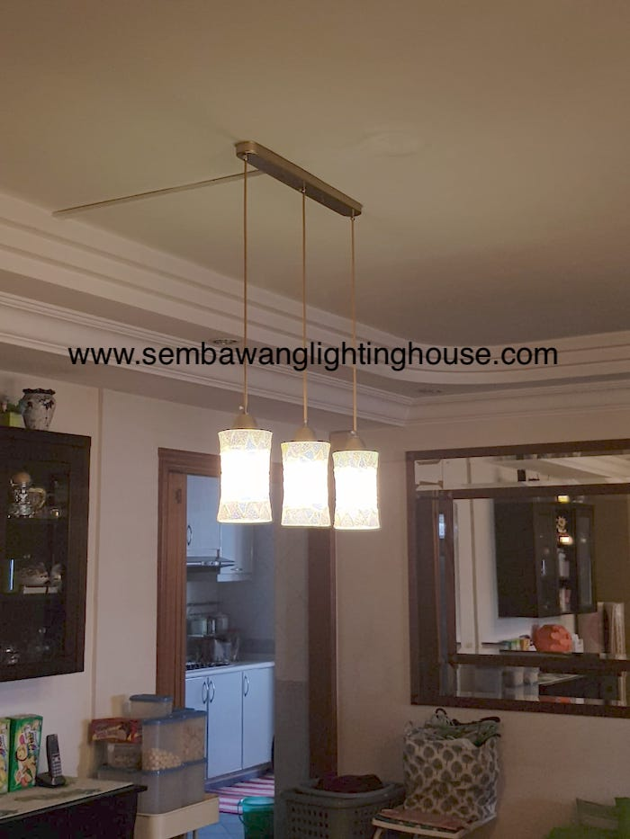 02-led-mosaic-hanging-lamp-in-dining-room-hdb-sembawang-lighting-house.jpg