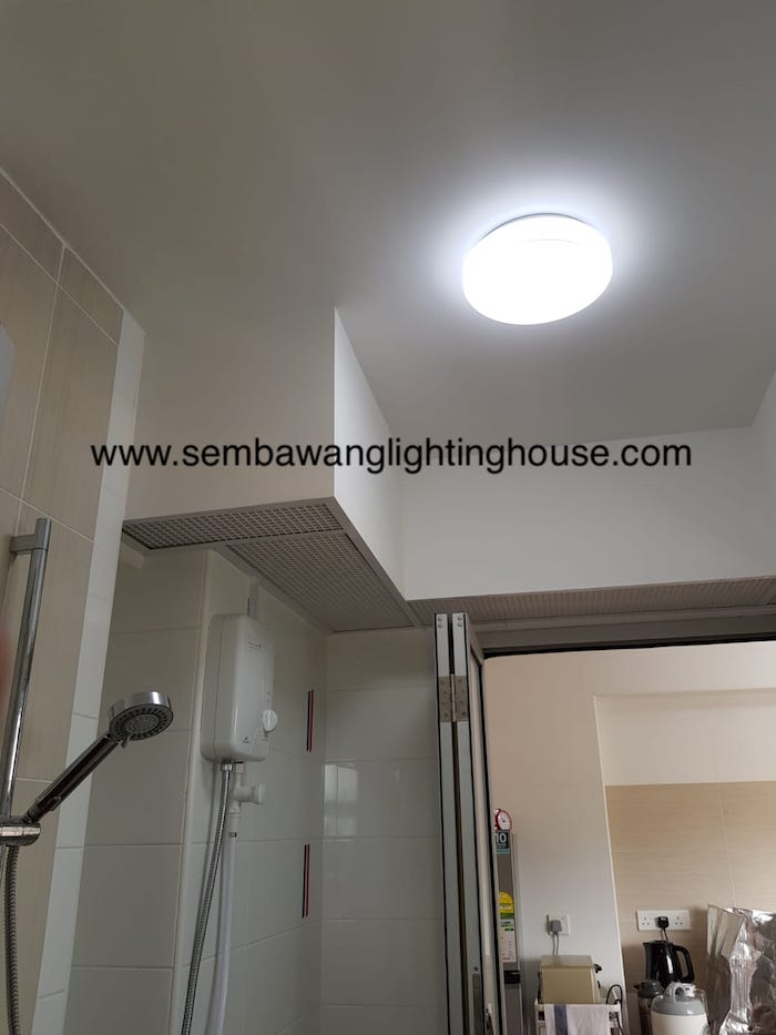 08-led-acrylic-ceiling-lamp-in-toilet-bto-sembawang-lighting-house.jpg