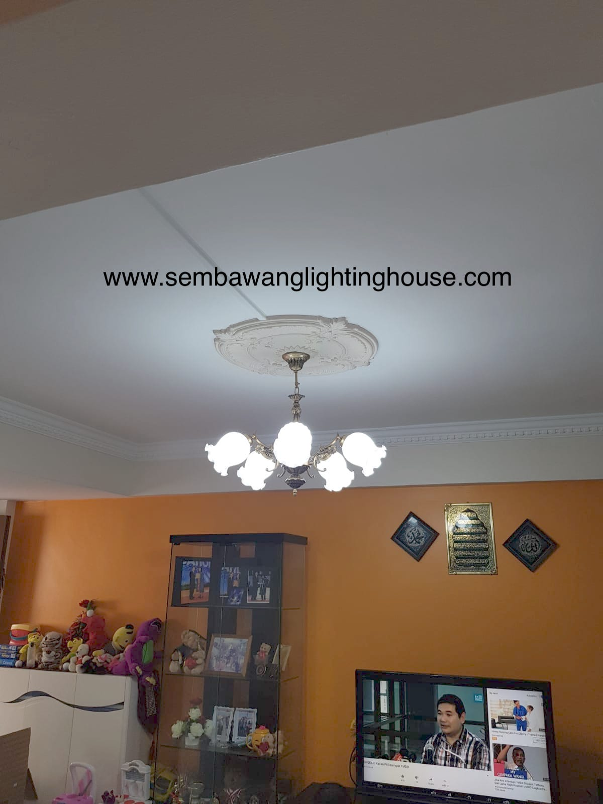 13-led-antique-hanging-lamp-in-living-room-hdb-sembawang-lighting-house.jpg