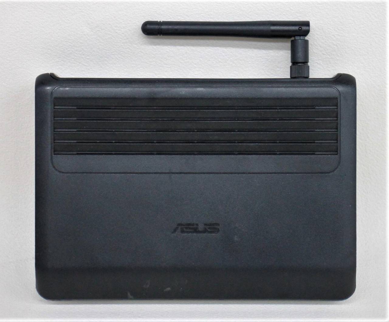 ASUS Black WL-520GC 5-Ethernet Port 125 Mbps Integrated Switch Wireless Router