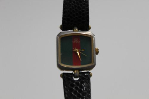 GUCCI Ladies Watch Vintage Quartz Designer Red Green Stripe Square SS Case