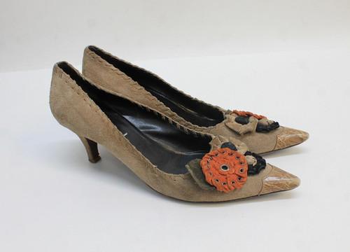 PRADA Ladies Beige Suede Pointed Toes Embellished Heeled Court Shoes UK5 EU38