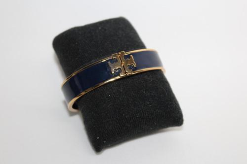 TORY BURCH Ladies Navy Blue Gold Tone Enamel Clasp Statement Bangle Bracelet