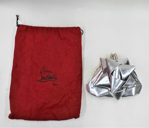 CHRISTIAN LOUBOUTIN Ladies Silver Patent Leather Small Star-Shaped Clutch Bag