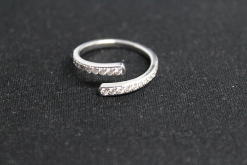 SWAROWSKI Ladies Silver Toned Crystal Single Twirl Ring Jewellery US8.5 UK Q