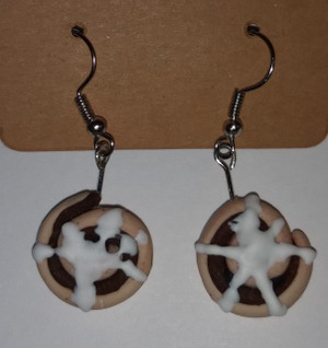 GrubDudz Cinnamon Roll Earrings close-up
