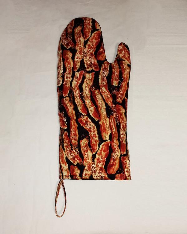 Bacon Oven Mitt