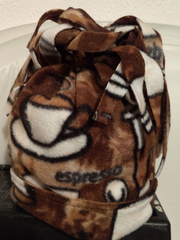GrubDudz Adult or Teen Extra-Large Winter Hat with Center Gather