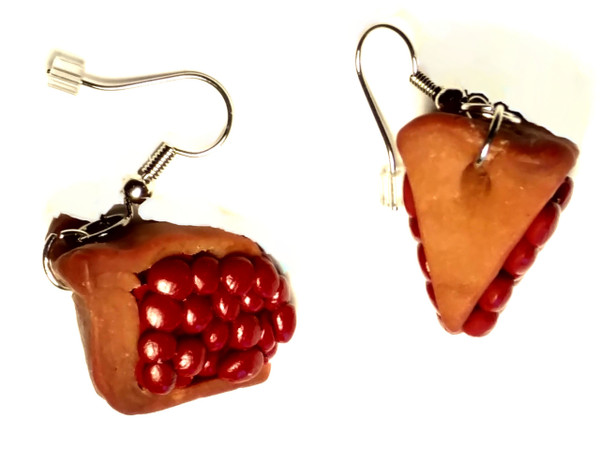 Mouthwatering cherry pie earrings.