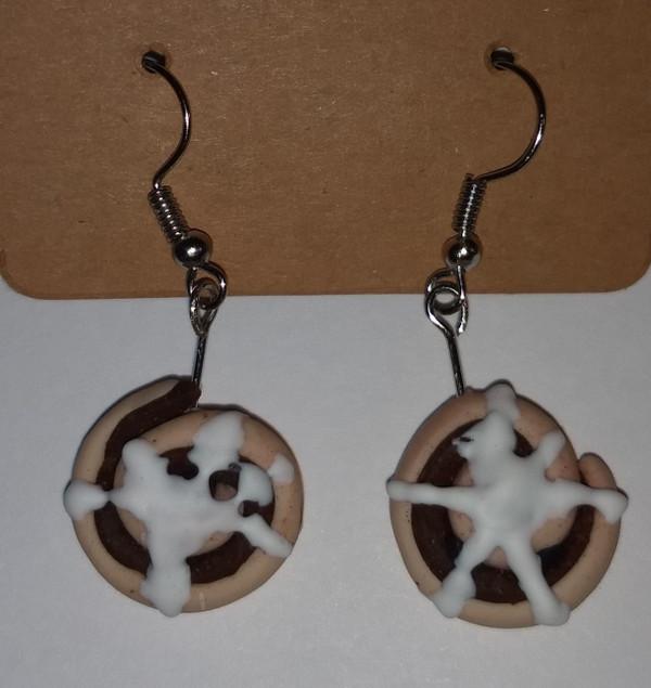 GrubDudz Cinnamon Roll Earrings close-up
