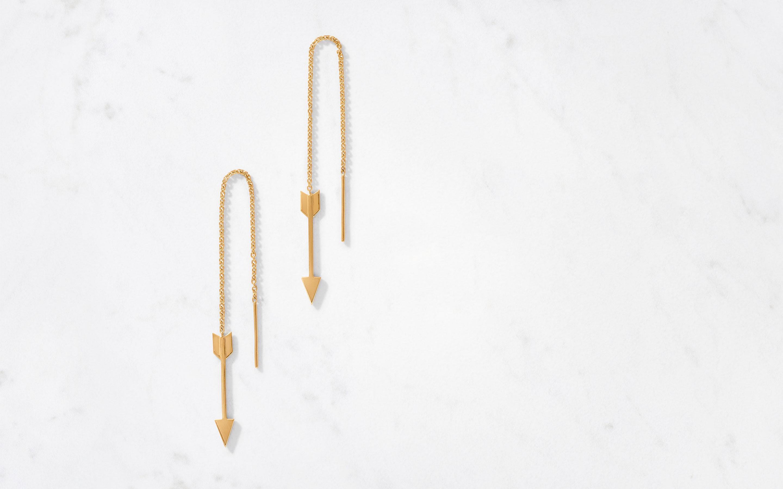 sleek threader earrings in arrow shape made of 22 karat gold