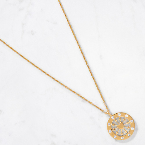 Stoned love. Make our Heart & Arrows Diamond Medallion your ode to modern romance in 22 karat polished gold embellished with 10 sparkling round-cut diamonds totaling .63 carats. Brilliantly handcrafted from 13 grams of gold.