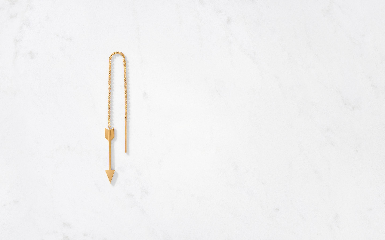 chic arrow-shaped threader earrings in 22 karat gold