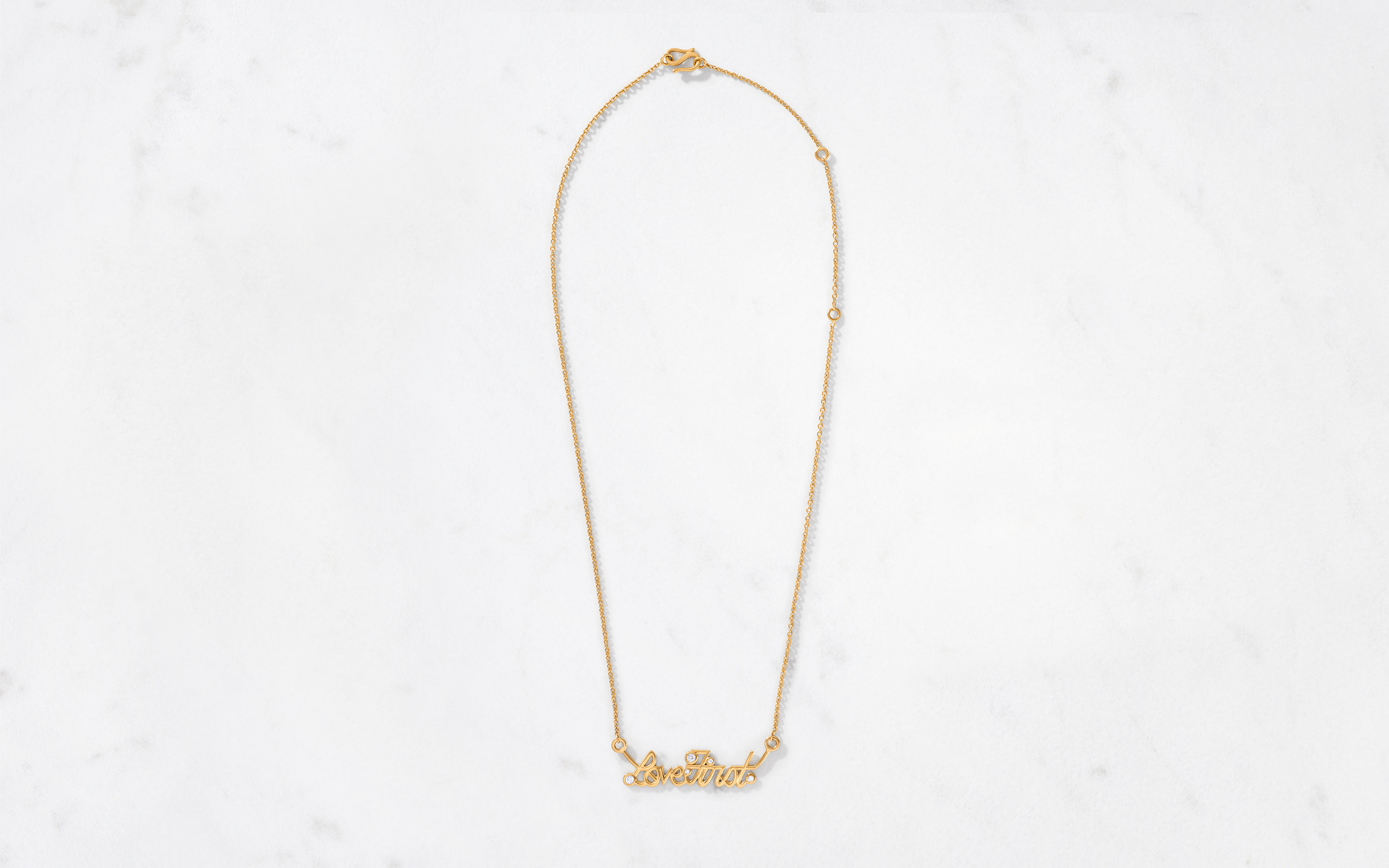 Stunning 22 karat polished gold necklace