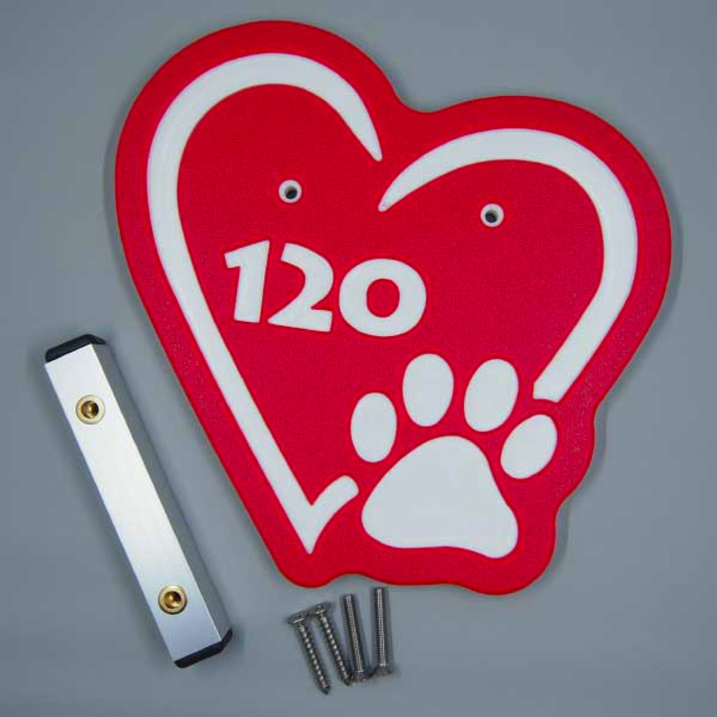 Red heart kennel numbers / identifiers.