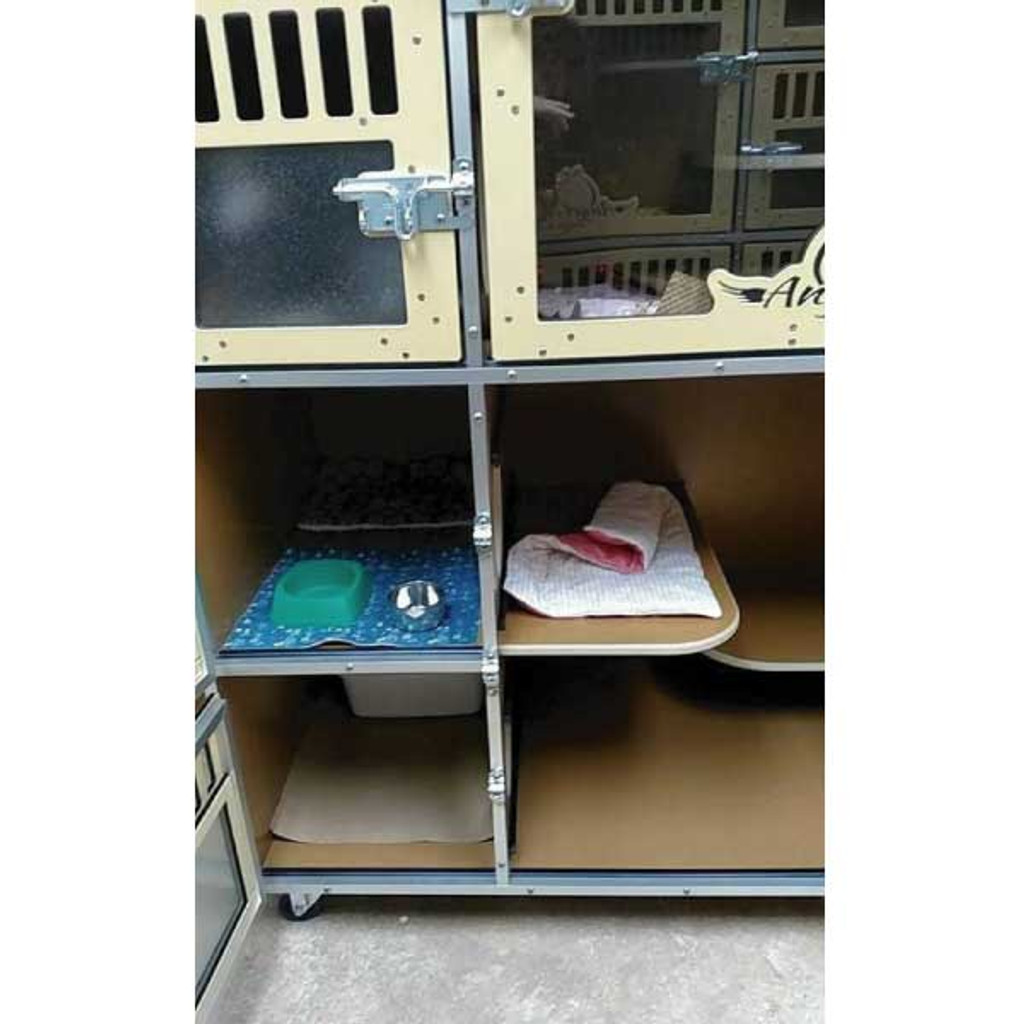 Angel of Hope Animal Rescue Gator Kennels Cat-Hotel look into lower portion.