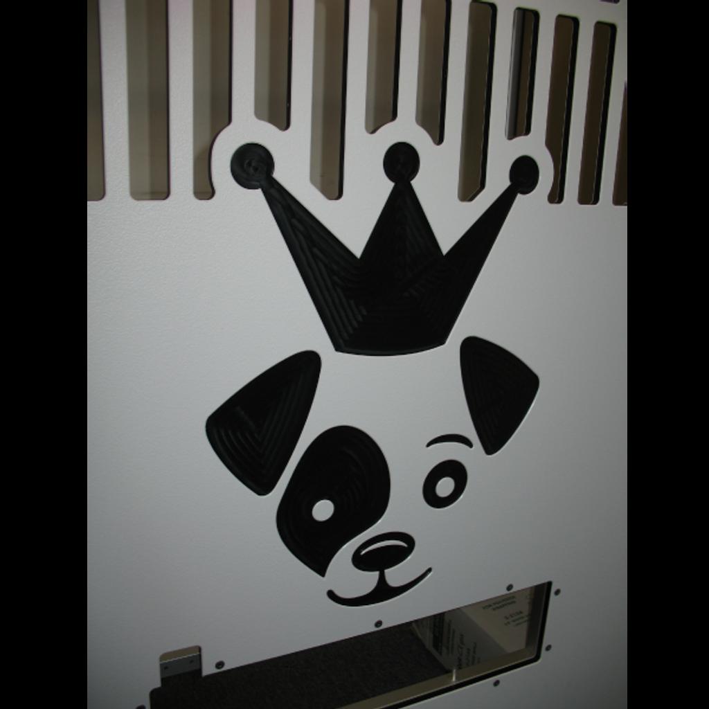 Custom logo on white half slotted gates for iCare K9.
