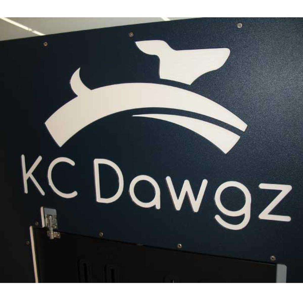 KC Dawgs Gator Kennels gates in navy blue with custom logo.