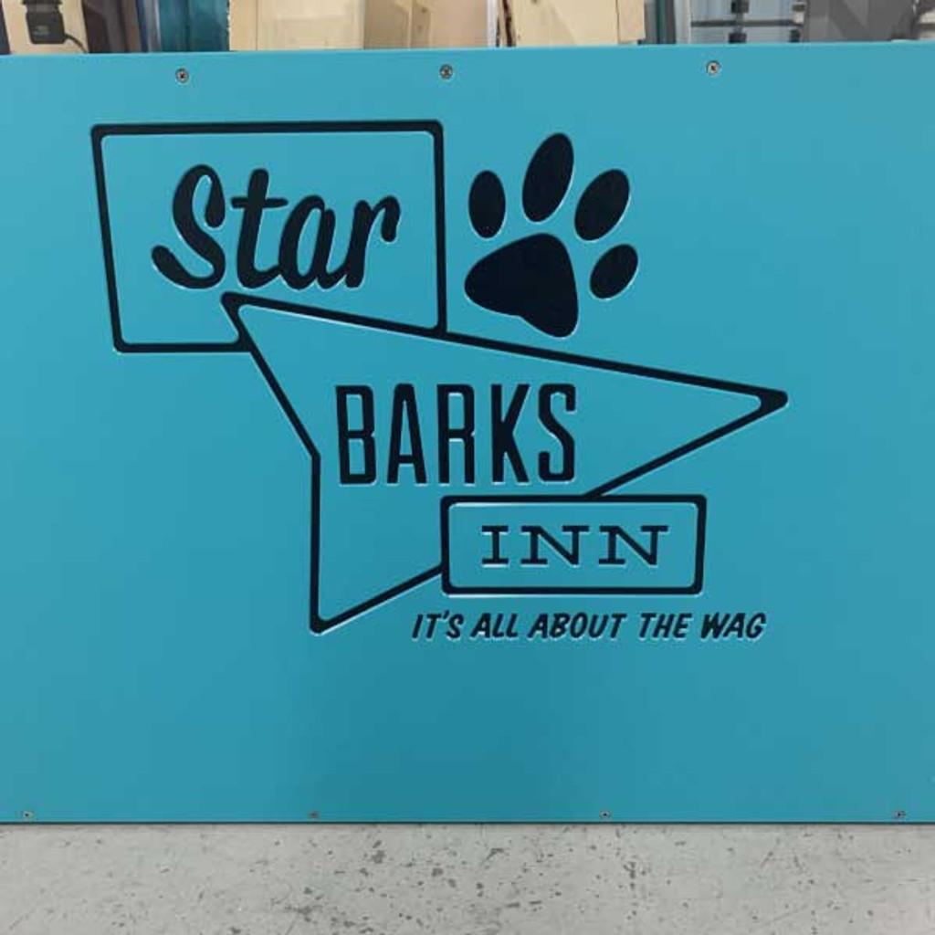 Star Barks Inn custom Gator Kennels custom logo.