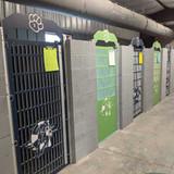 Gator Kennels green and navy custom logo gates.