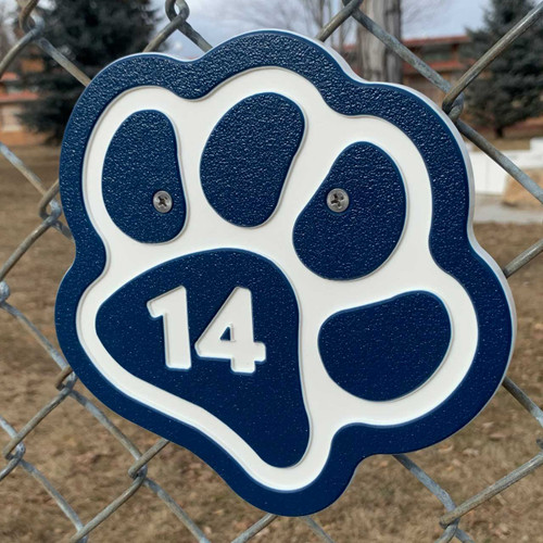 Navy blue paw kennel numbers / identifiers.