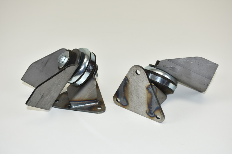 Universal small block Chevy motor mounts