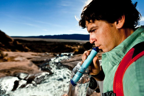 Lifestraw water filter to filter unclean water impurities