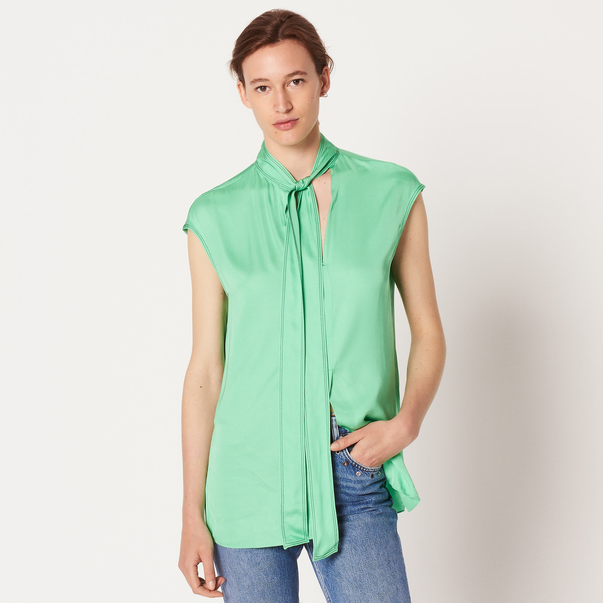 Floaty sleeveless top with pussy bow - Green