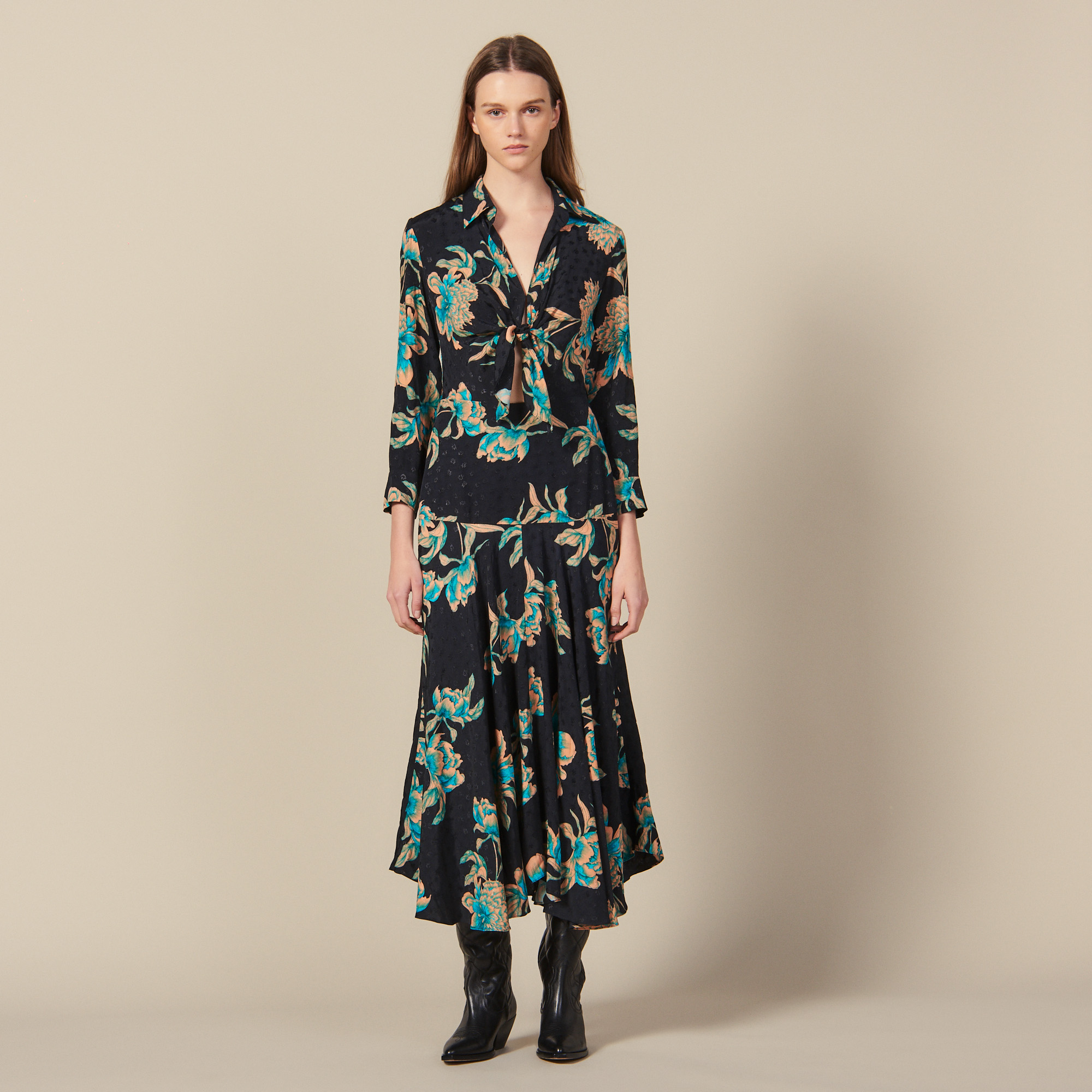 Long printed dress with tie fastening - Black