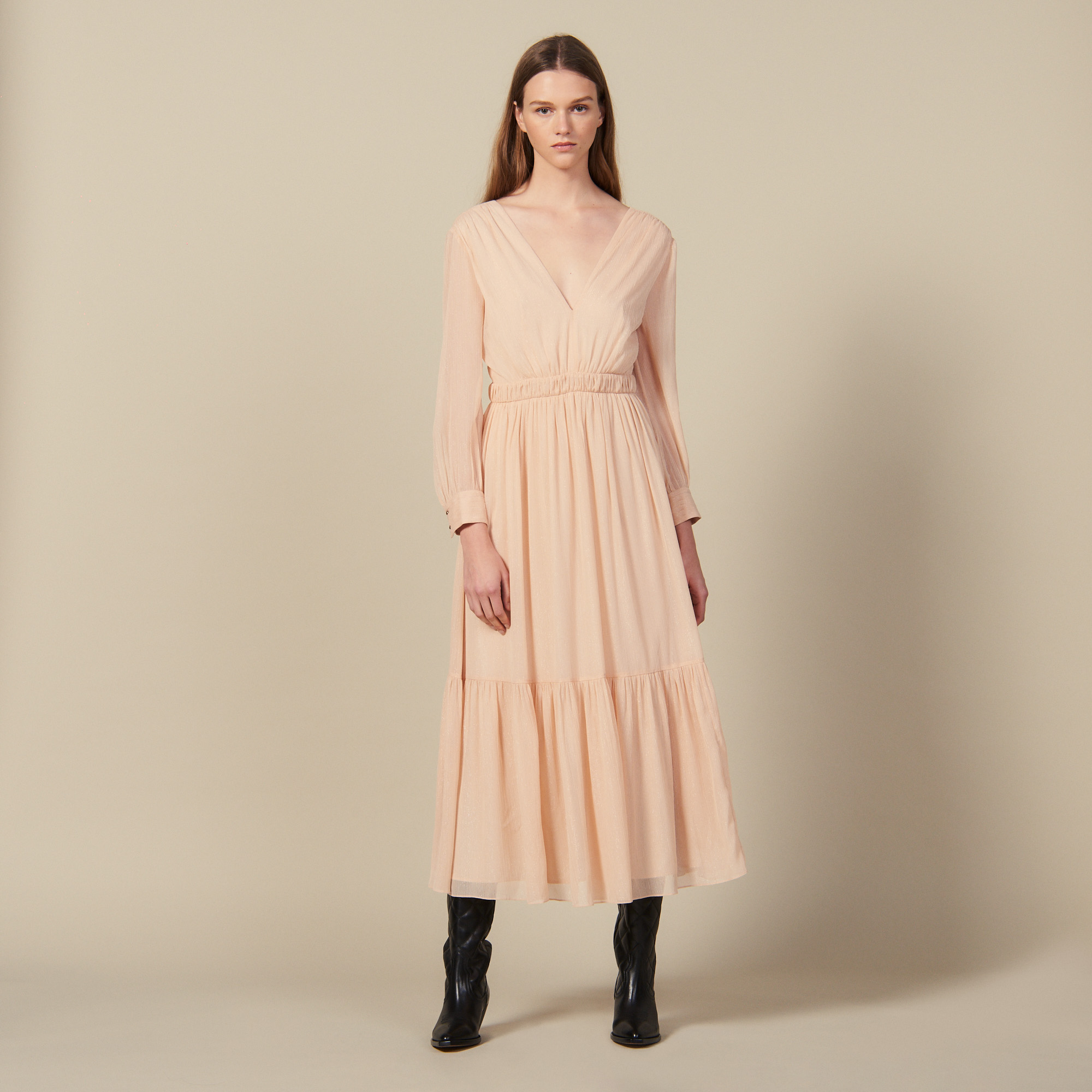 Long pleated dress with long sleeves - Nude