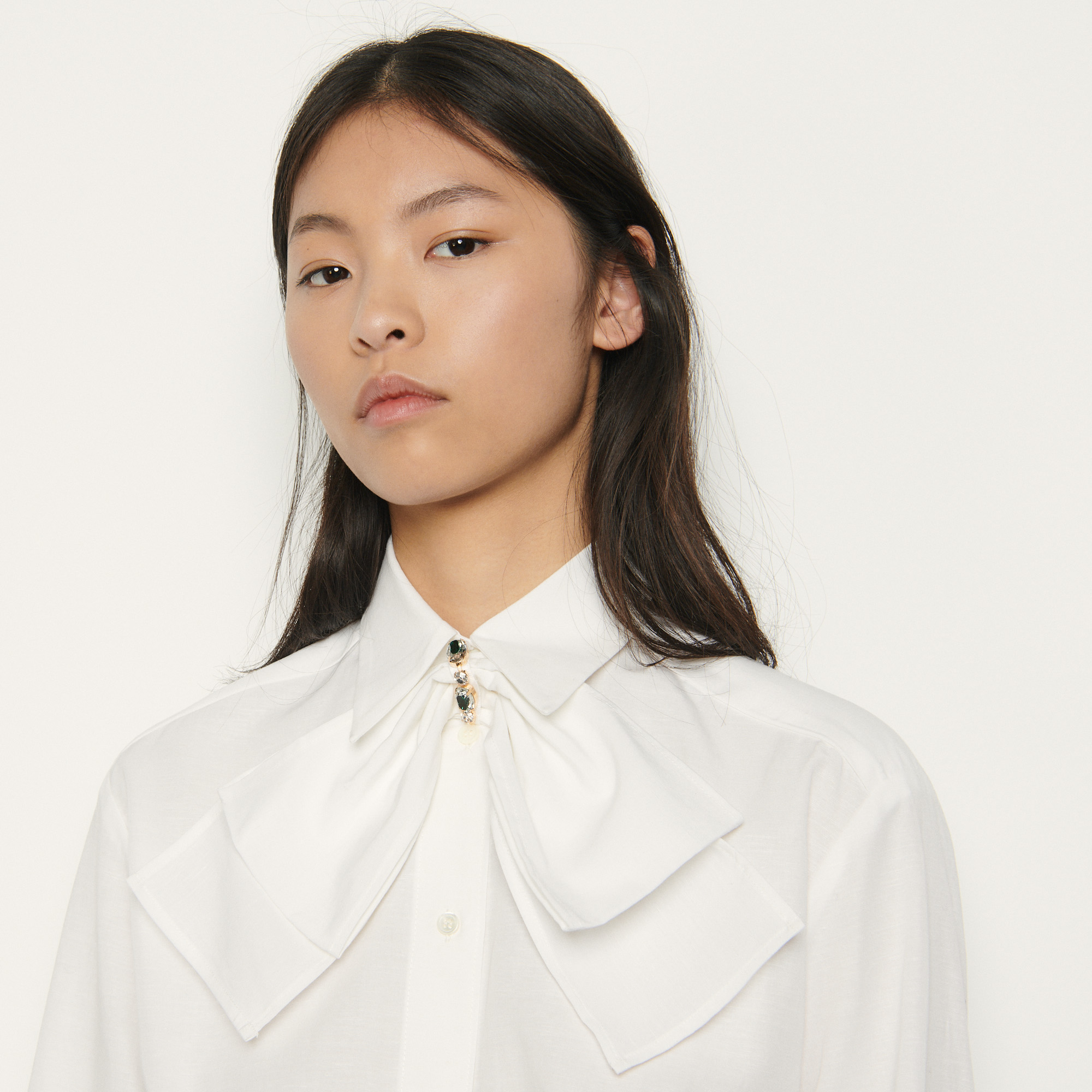 Cropped shirt with removable bow  - White