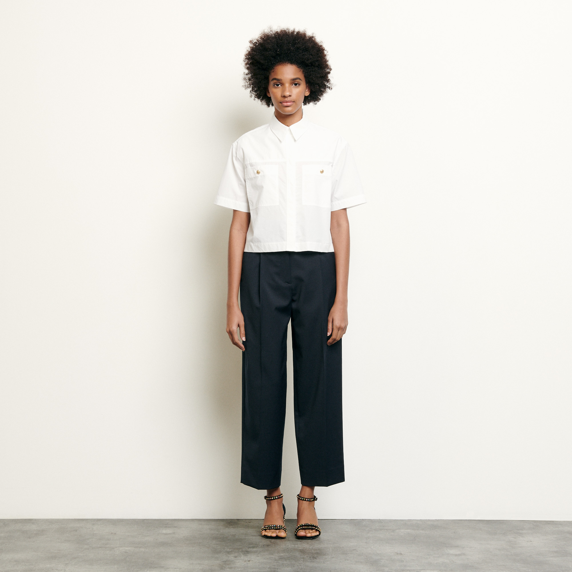 Cropped shirt with patch pockets - White