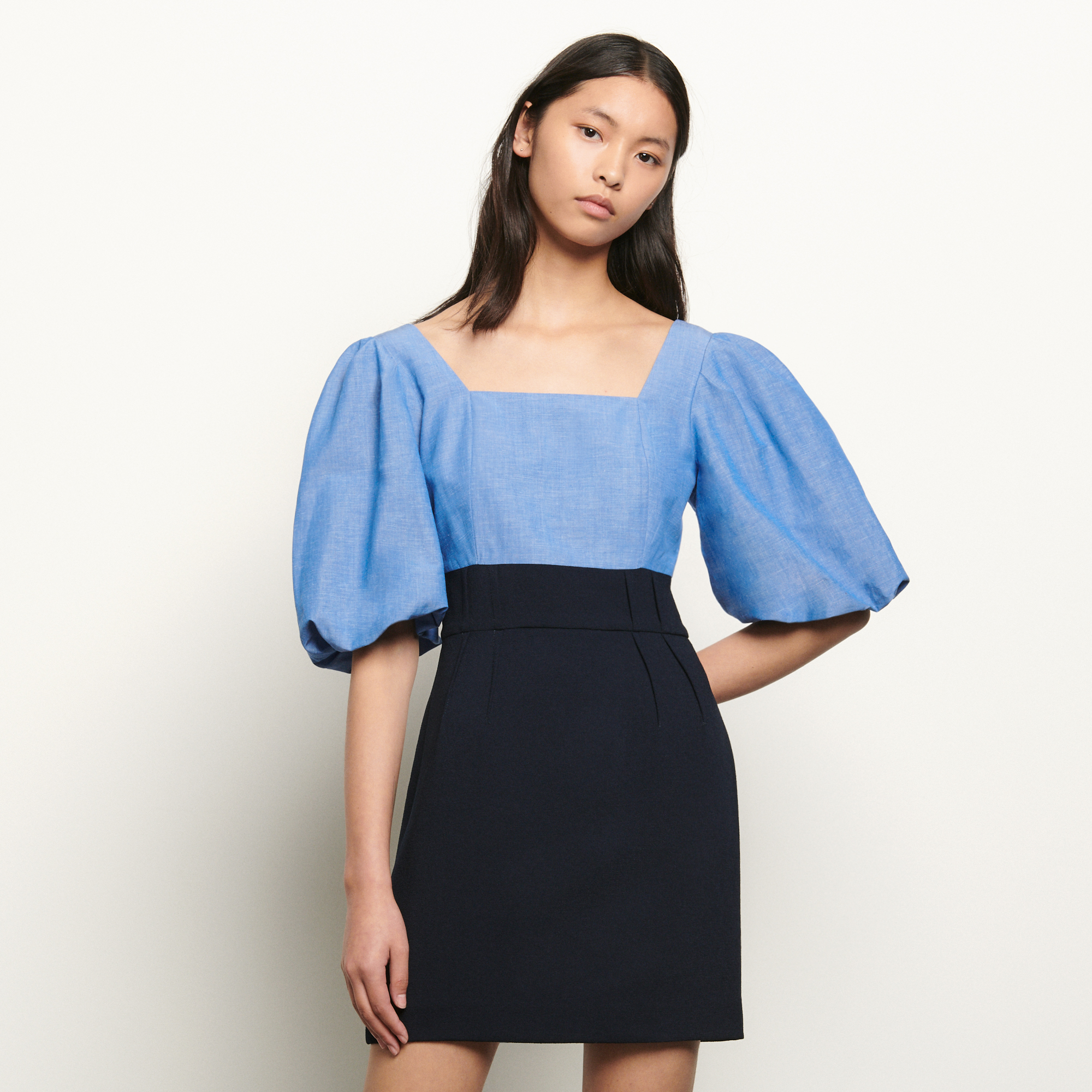 Dual material dress with square neckline - Blue