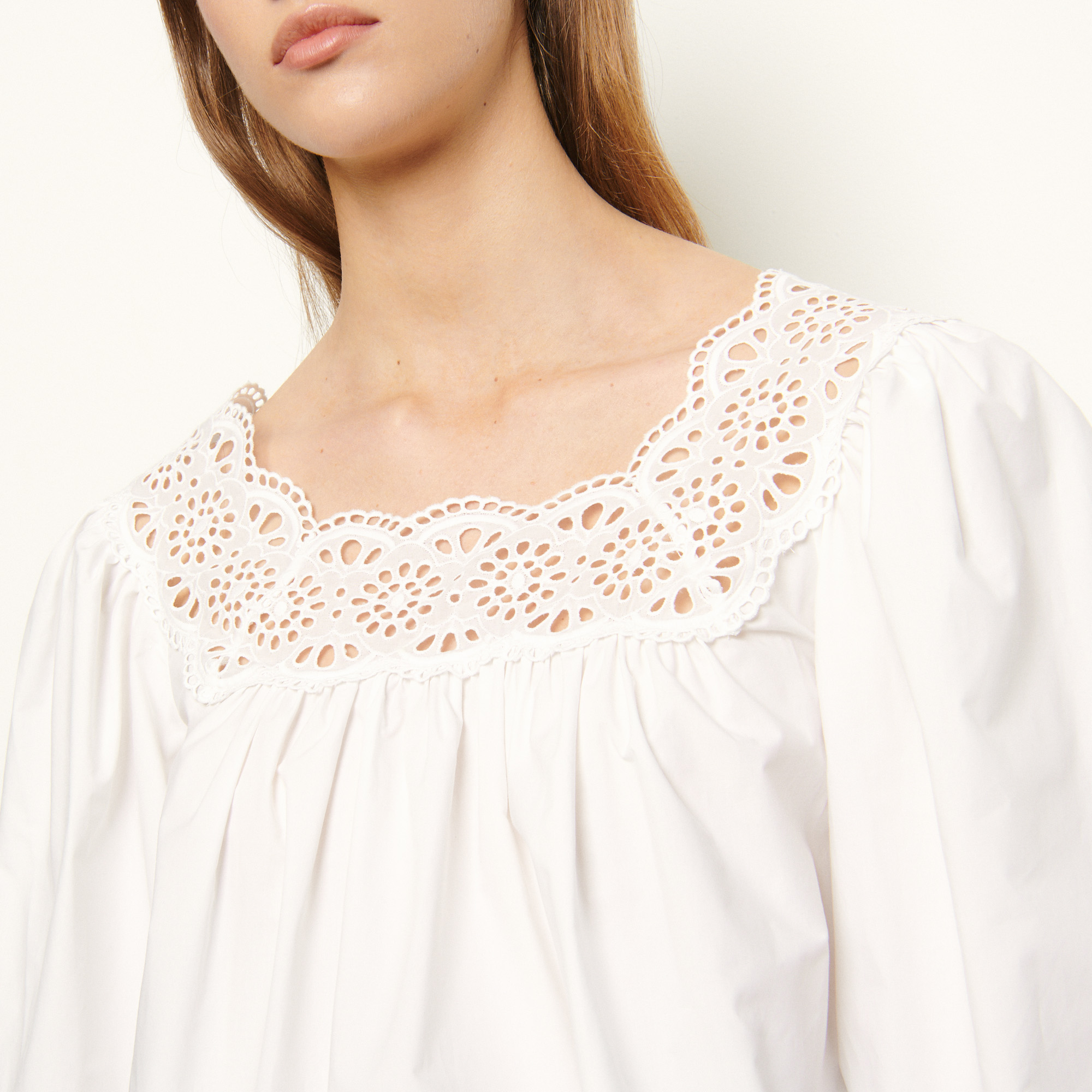 Loose fitting top with puff sleeves - White