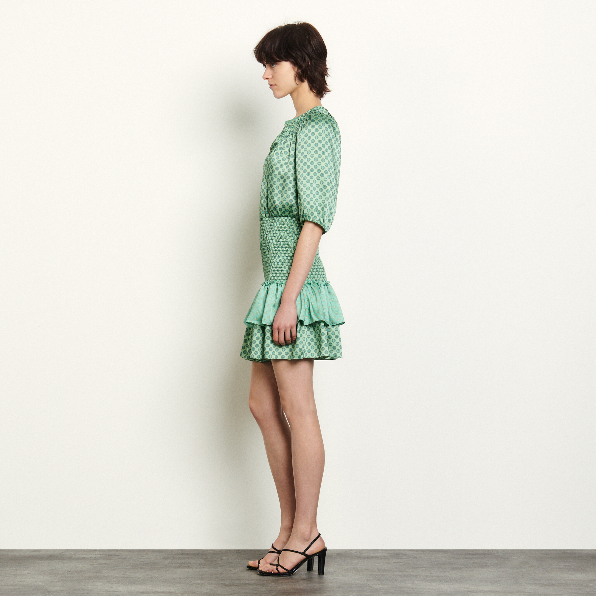 Short mixed print dress with smocking - Green