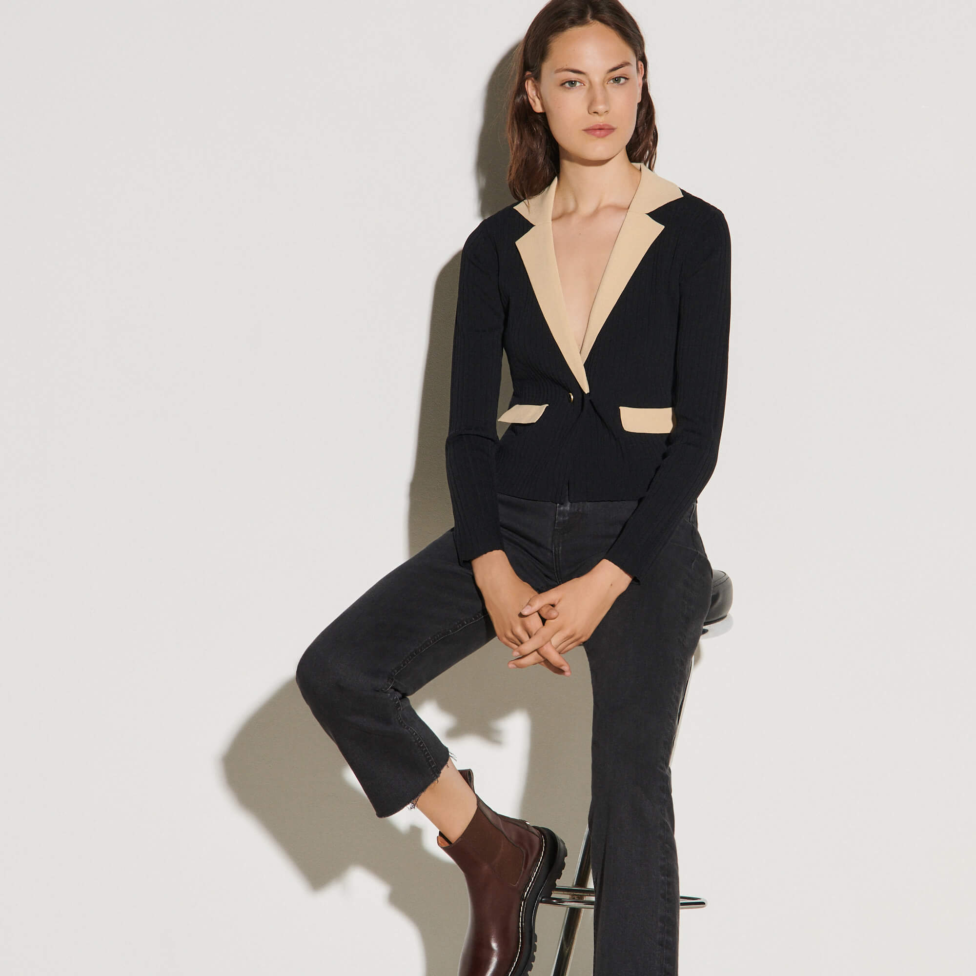 Cropped cardigan with contrasting collar - Black