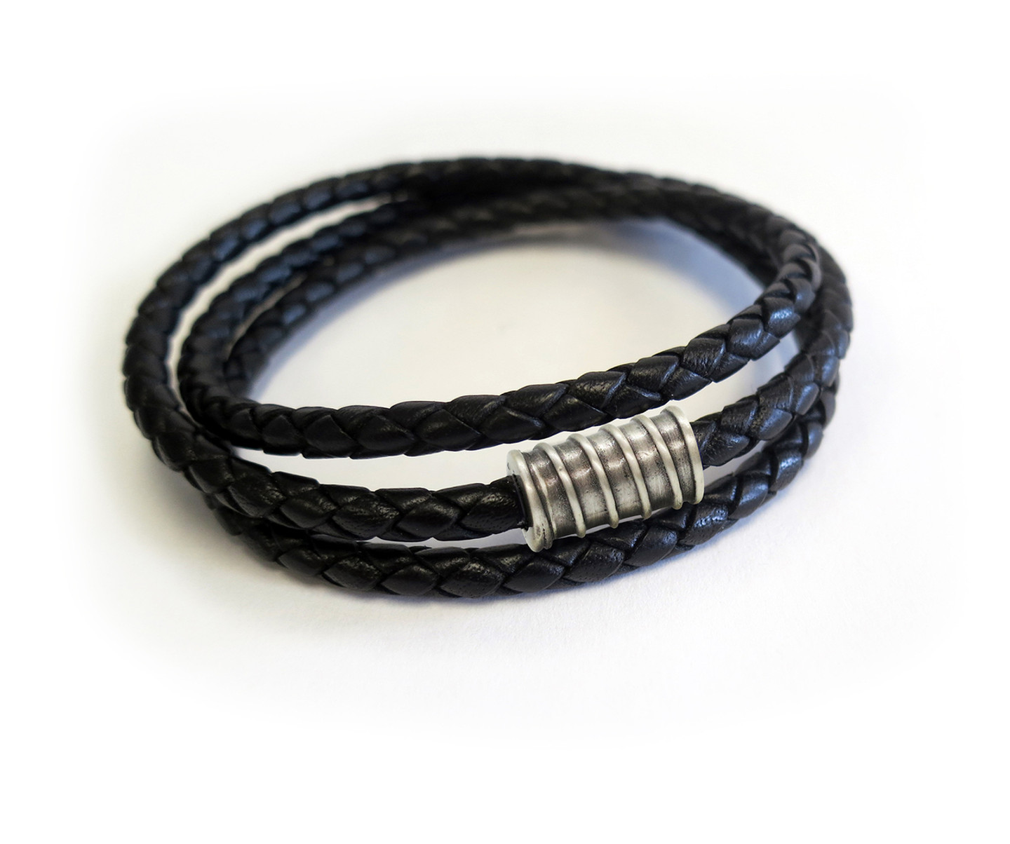 Men Triple Wrap Oxidized Screw