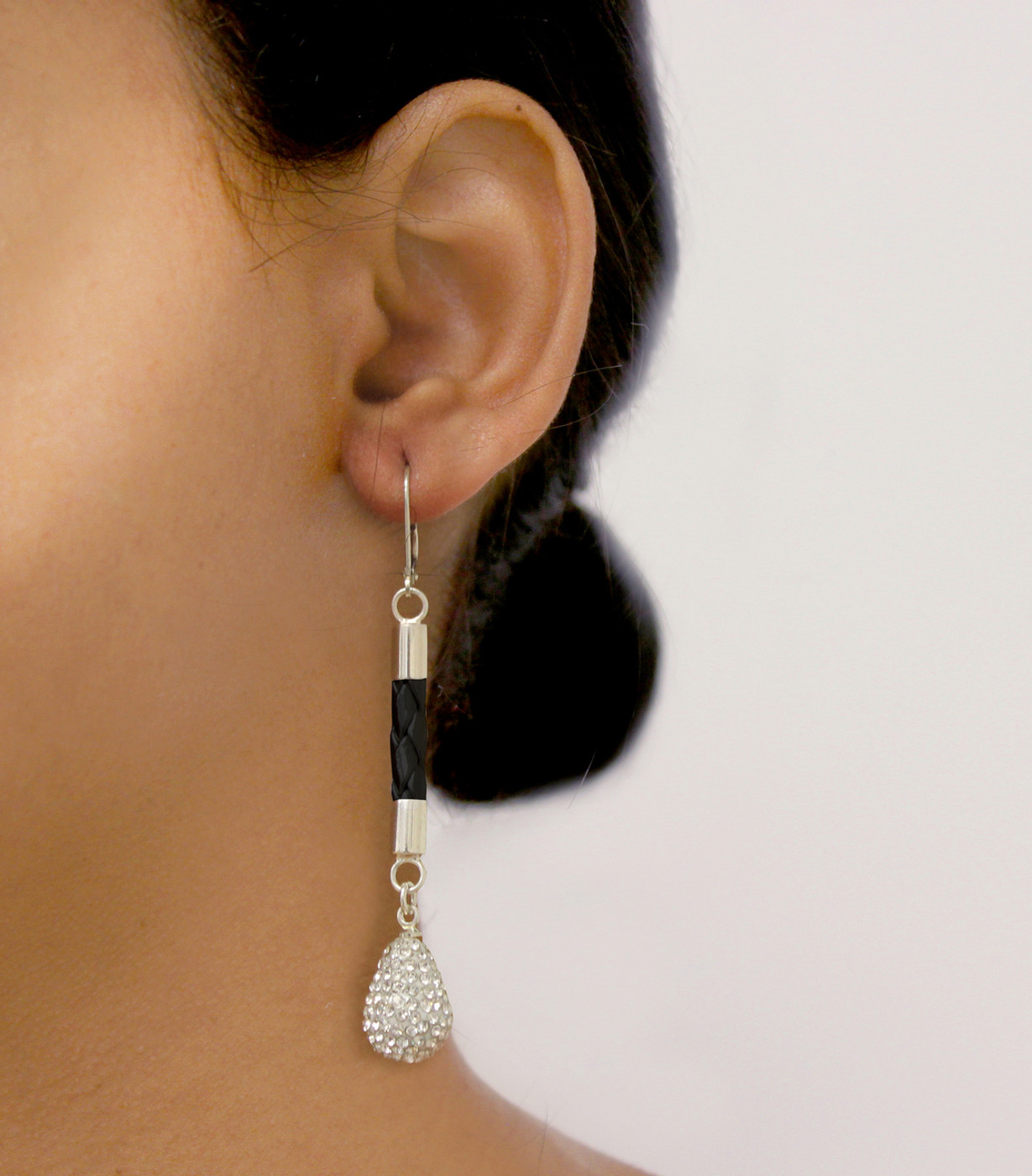 Glam Drop Earring Black