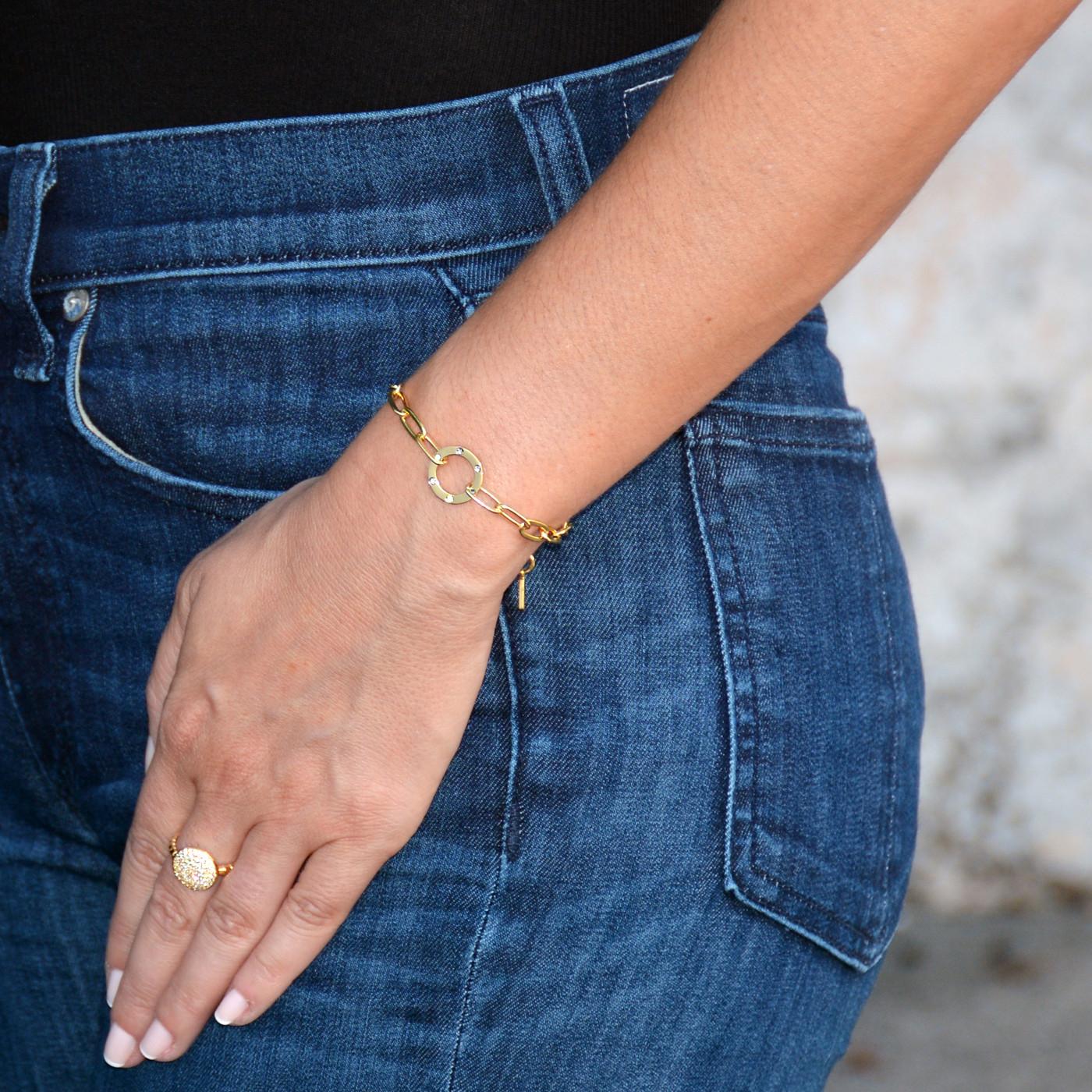 Amour Circle Bracelet Gold