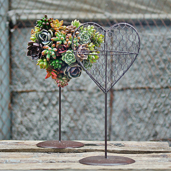 Metal Iron Frame Wire Heart Shape Hanging Pot Wedding Decor Wall Art 30cm