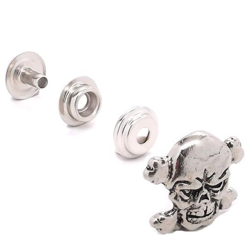 Skull and Crossbones Line 24 Snap Cap Set