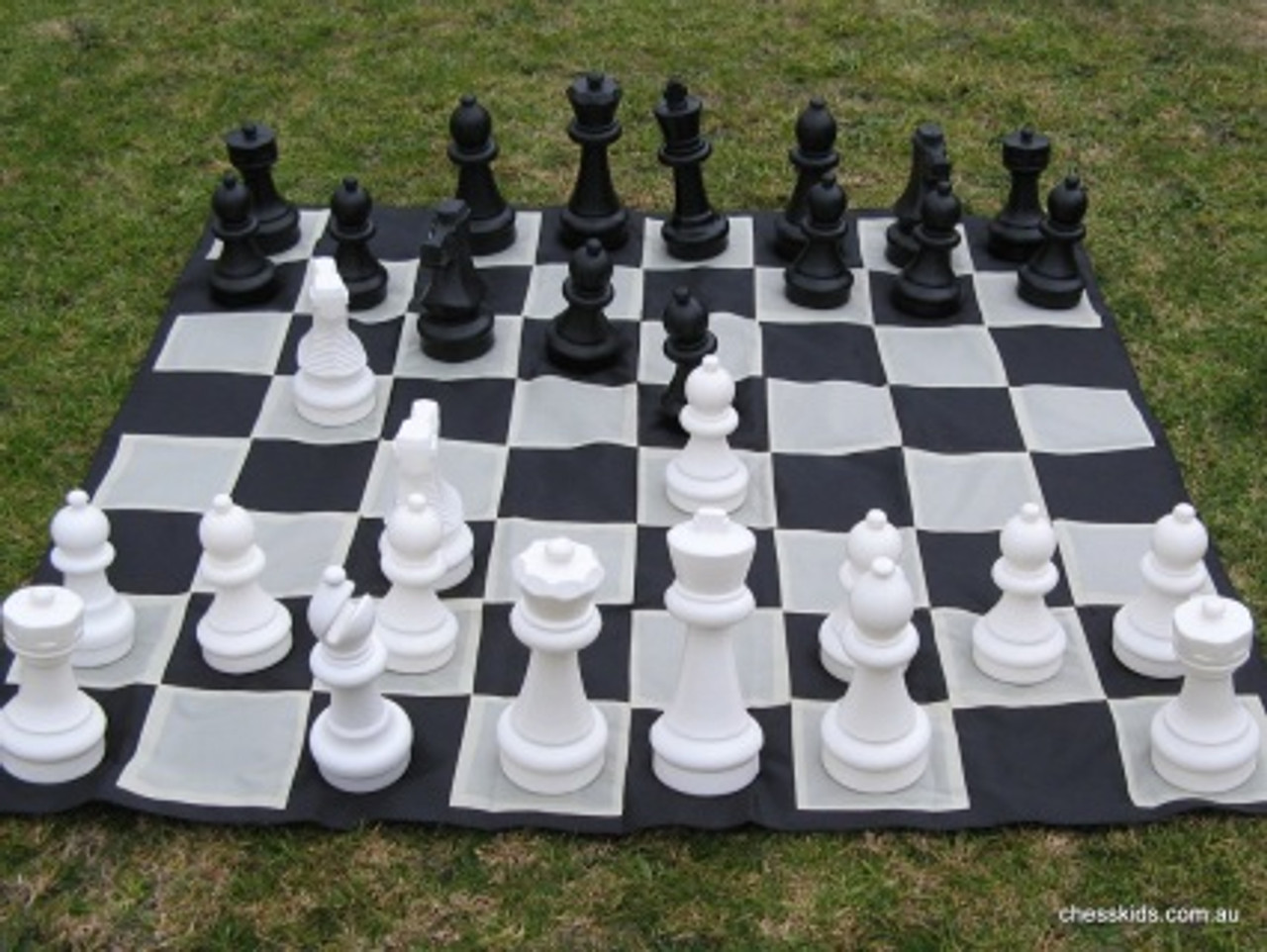 Giant Chess 32cm Garden / Outdoor Chess Set (GC321) full set