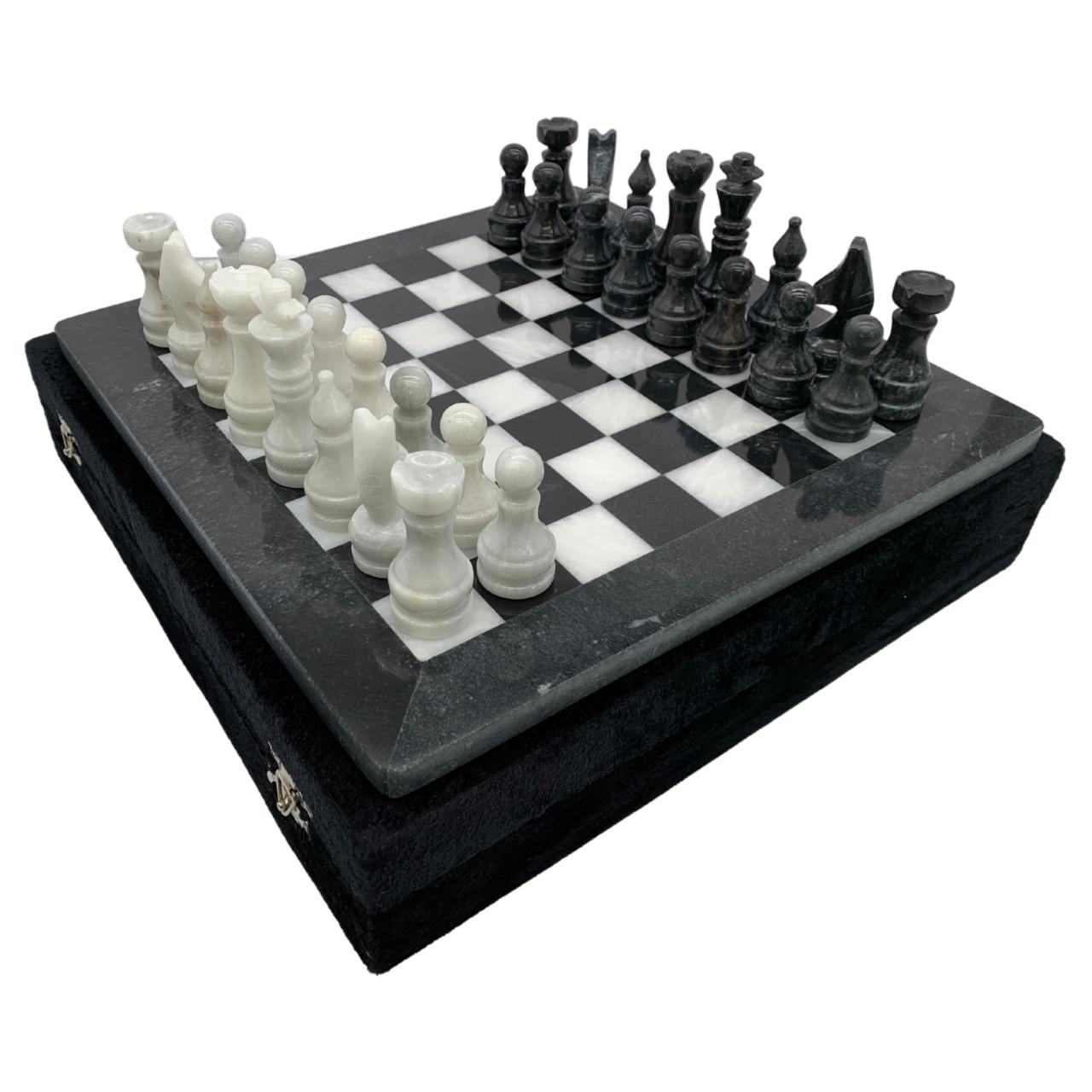 "12"" Onyx Marble Chess Set with Velvet Case Black / White (109CW)"