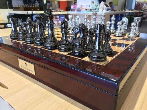 Dal Rossi 50cm Mahogany Board & 105mm Silver/Titanium Colour Chess Pieces
