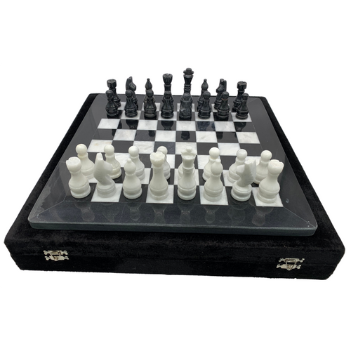 "16"" Onyx Marble Chess Set with Velvet Case Black / White (159CW) setup"