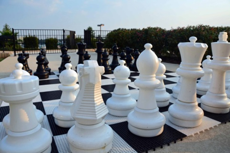 Giant Chess 64cm Chess Set with Giant Plastic Chess Board (GC642) set
