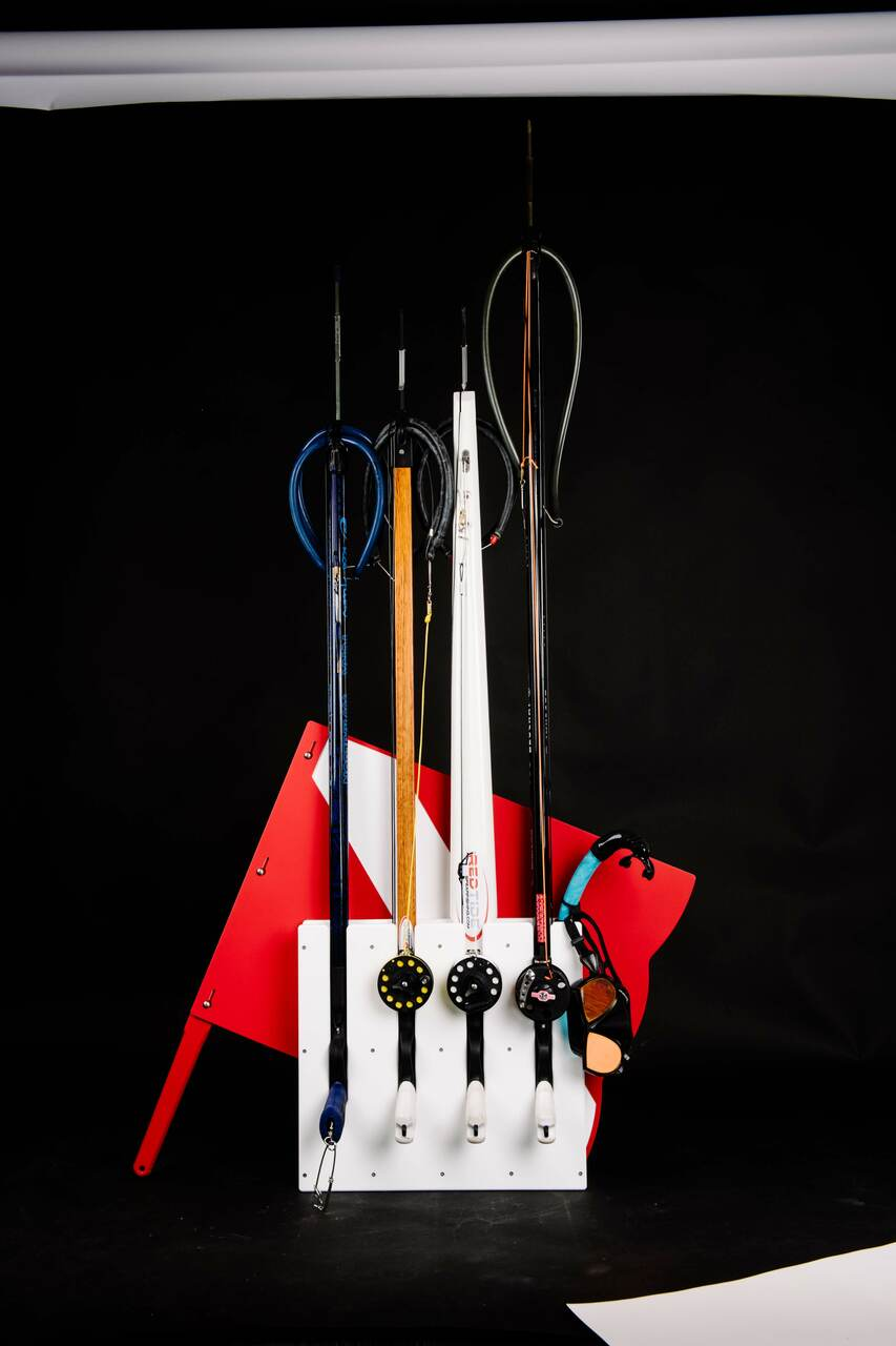 4 gun Speargun Racks by Mangrove Marine fits most scuba style spearguns (see compatible brands in description) and our speargun racks are also designed to fit most Euro Style Spearguns.     Dive flag and spearguns for display only and not included.