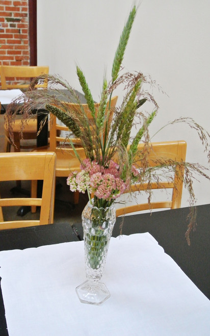 Sweet and Simple Wedding Centerpiece Styles